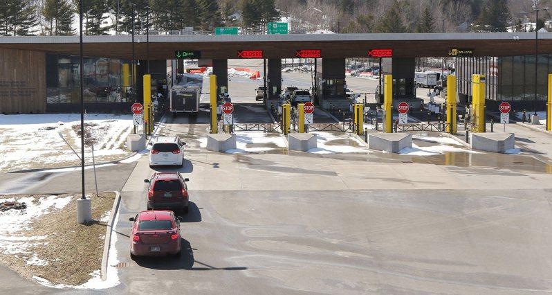 加拿大與美國將延長兩國間非必要性旅行禁令至10月21日。圖為美加邊境。 歐新社資料照片