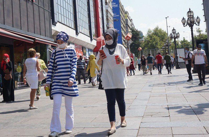 土耳其累計確診突破30萬大關。 法新社
