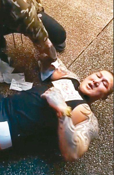 「館長」陳之漢昨天凌晨在林口自家健身中心遭人連開三槍,急救後無生命危險。圖/翻攝自臉書