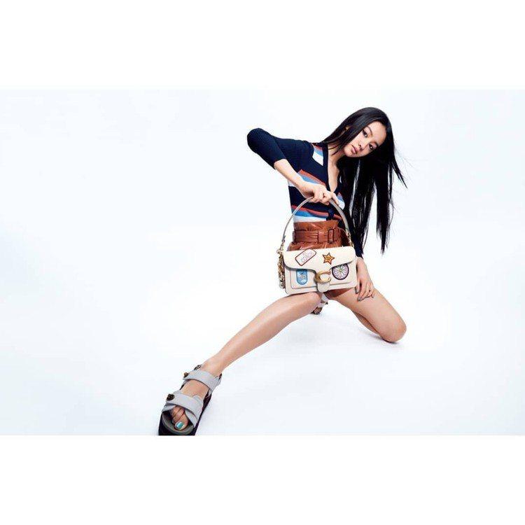木村光希以自己設計的COACH x Kōki,系列登上日本《ELLE》雜誌10月...