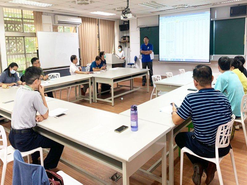 台東縣府教育處日前針對7月初實施的全縣國中小學共同評量結果,邀請專家分析討論。 記者羅紹平/翻攝