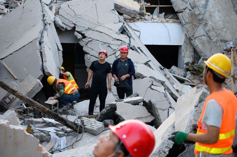 山西臨汾飯店倒塌增至29死。(中新社)