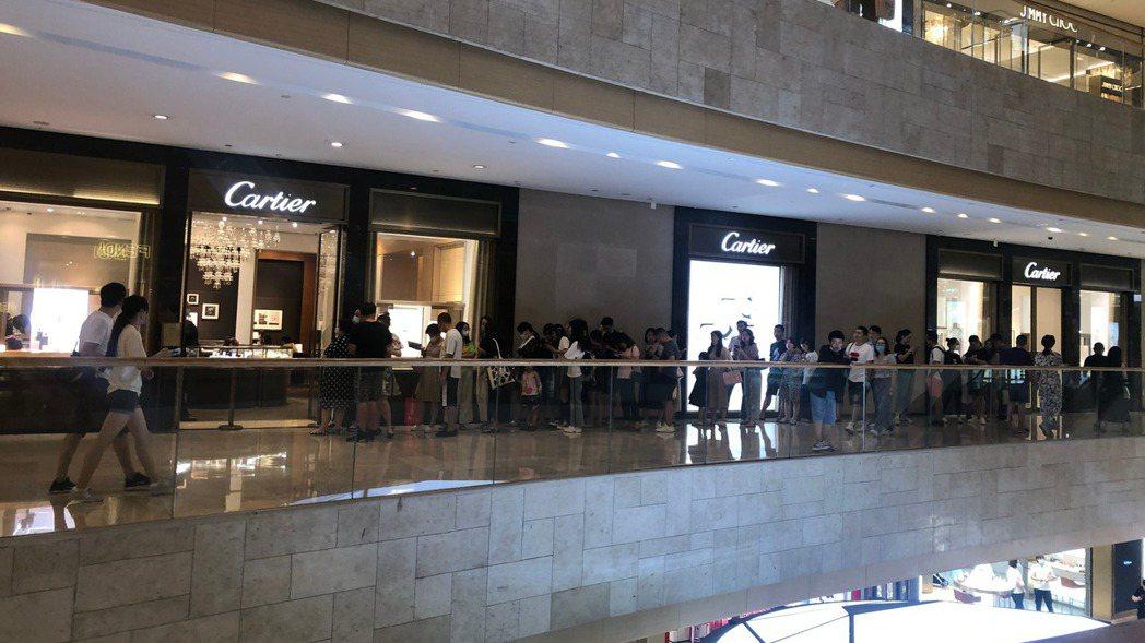 Cartier調整價格,台灣自9月1日起調整價格,有漲有降。 圖/摘自微博