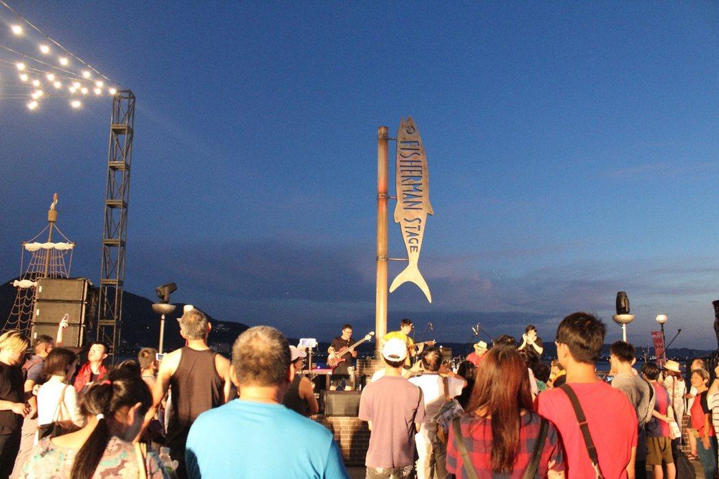 全台獨立音樂年度盛事「2020新北市河海音樂季」,今年是第5年,以淡水夕照和壯闊...