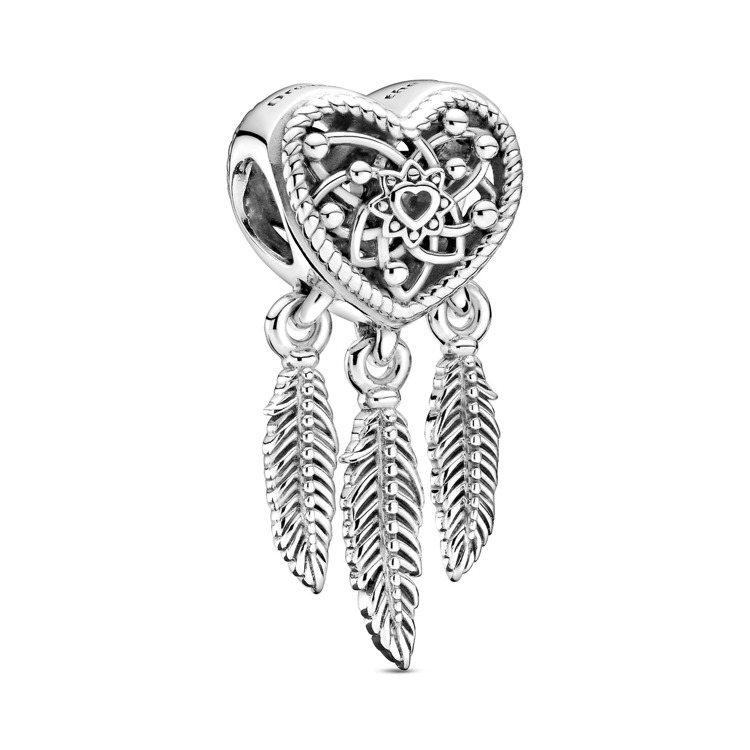 鏤空心型捕夢網925銀串飾,2,080元。圖/PANDORA提供