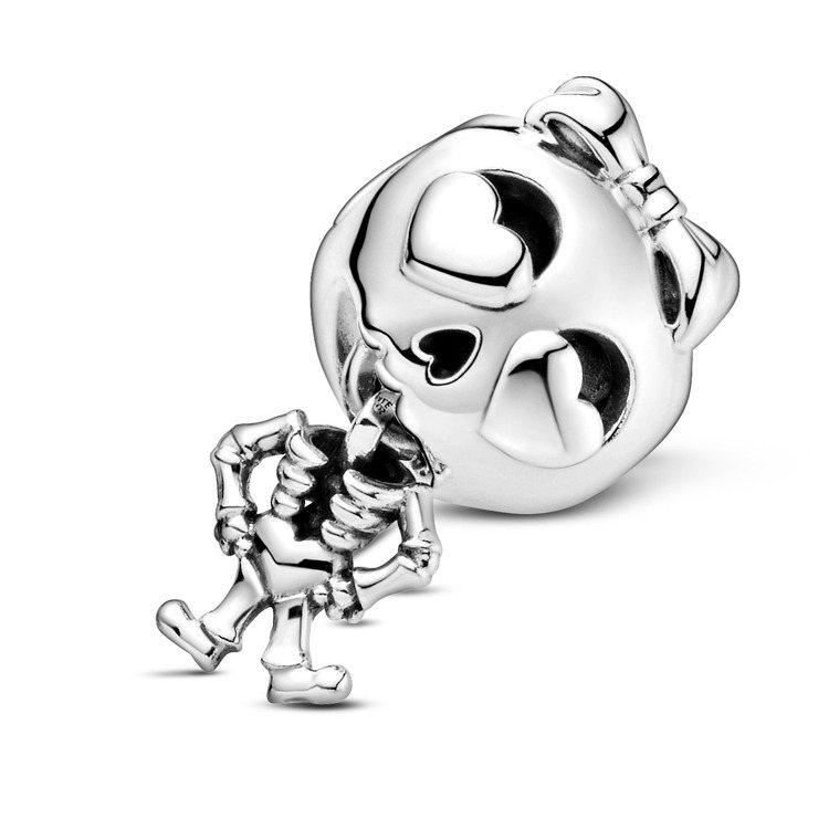 骷髏女孩925銀串飾,1,580元。圖/PANDORA提供
