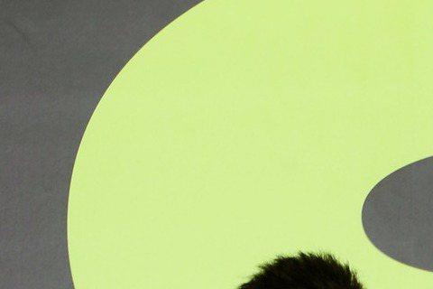 第55屆廣播金鐘獎19日登場,今年主題為「對手」,廣邀電視、網路、廣播各界紅人齊聚,YouTuber視網膜將擔任主持人,黃大謙帶來脫口秀表演,HowHow則將首次踏上金鐘典禮頒獎。今年廣播金鐘獎由廣...