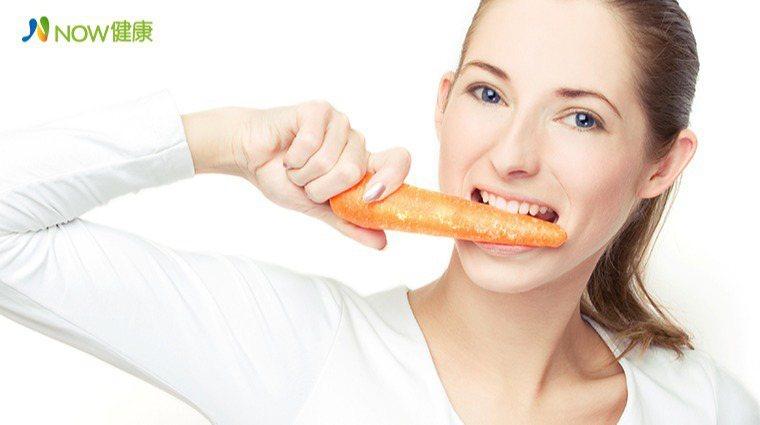 ▲衛福部食藥署建議,每日不要吃超過270g的胡蘿蔔。(圖/ingimage)