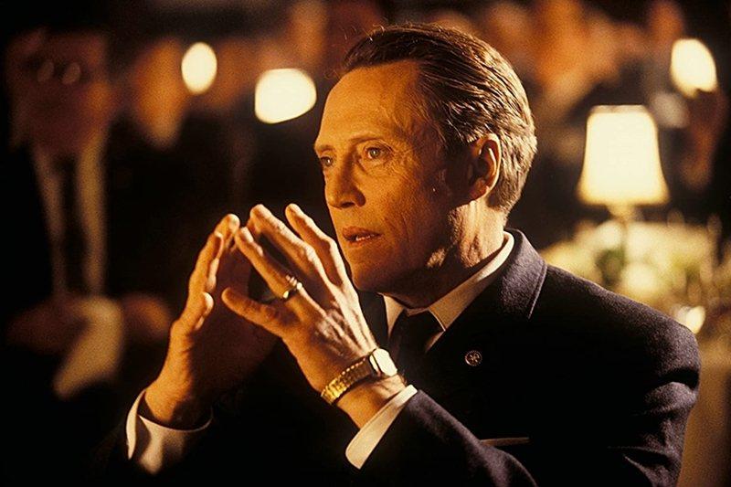 《神鬼交鋒》(Catch Me If You Can, 2002)裡的父親。 圖/IMDb
