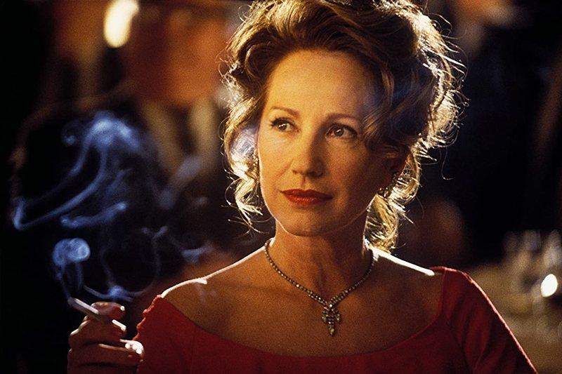 《神鬼交鋒》(Catch Me If You Can, 2002)裡的母親。 圖/IMDb