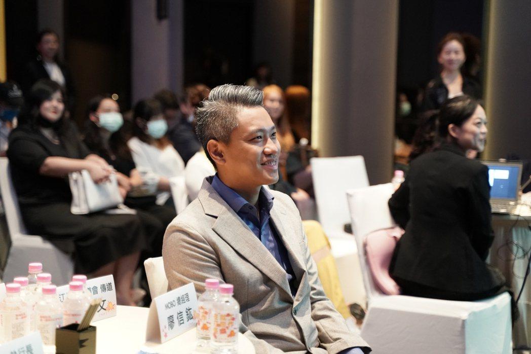 MO-BO創辦人廖信鈜訂定清楚目標,帶領台灣電商女裝走入新的高度。MO-BO/提...