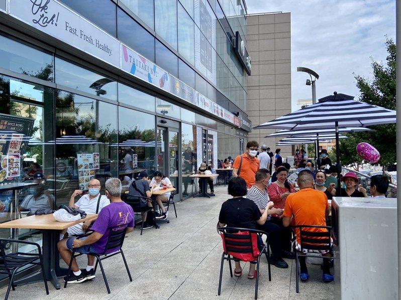 州長葛謨表示,紐約市尚未準備好恢復餐館堂食。(記者朱蕾/攝影)