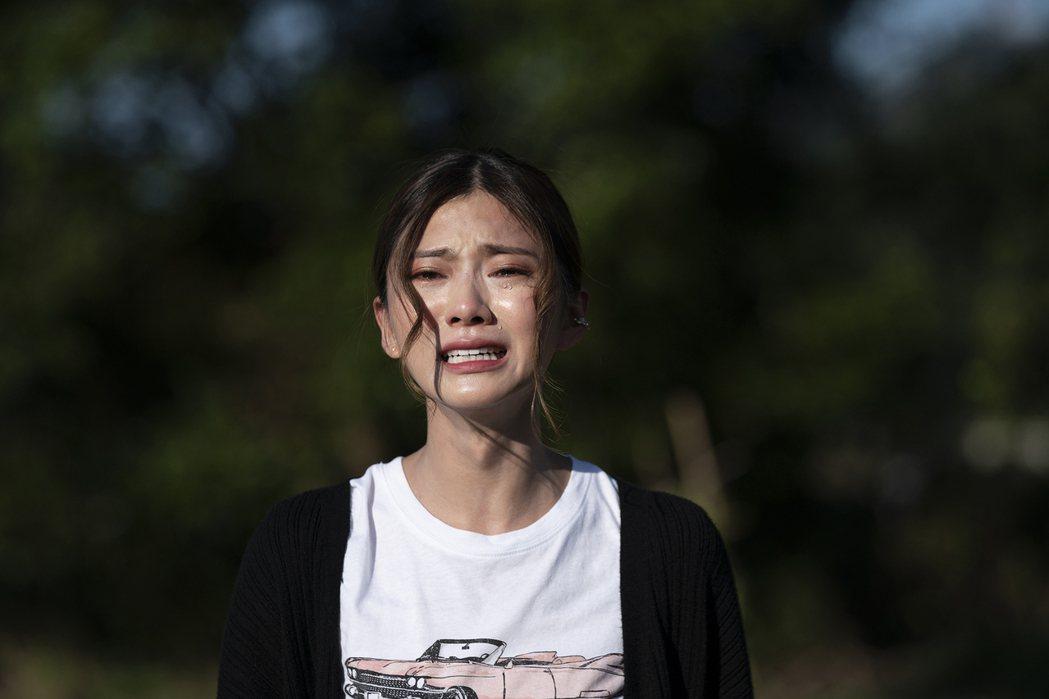 蔡黃汝在「腦波小姐」中從頭哭到尾。圖/麗象影業提供