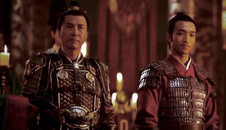 甄子丹(左)與安柚鑫在「花木蘭」分飾董將軍與陳洪輝。圖/摘自imdb
