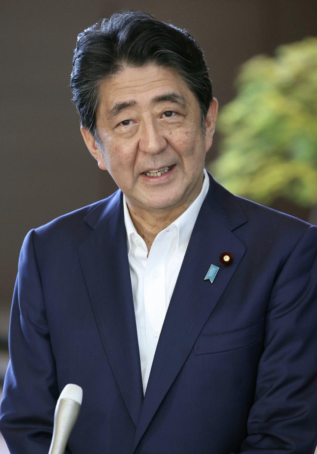 日本首相安倍晉三罹患亞洲人不常見的潰瘍性大腸炎。圖/歐新社