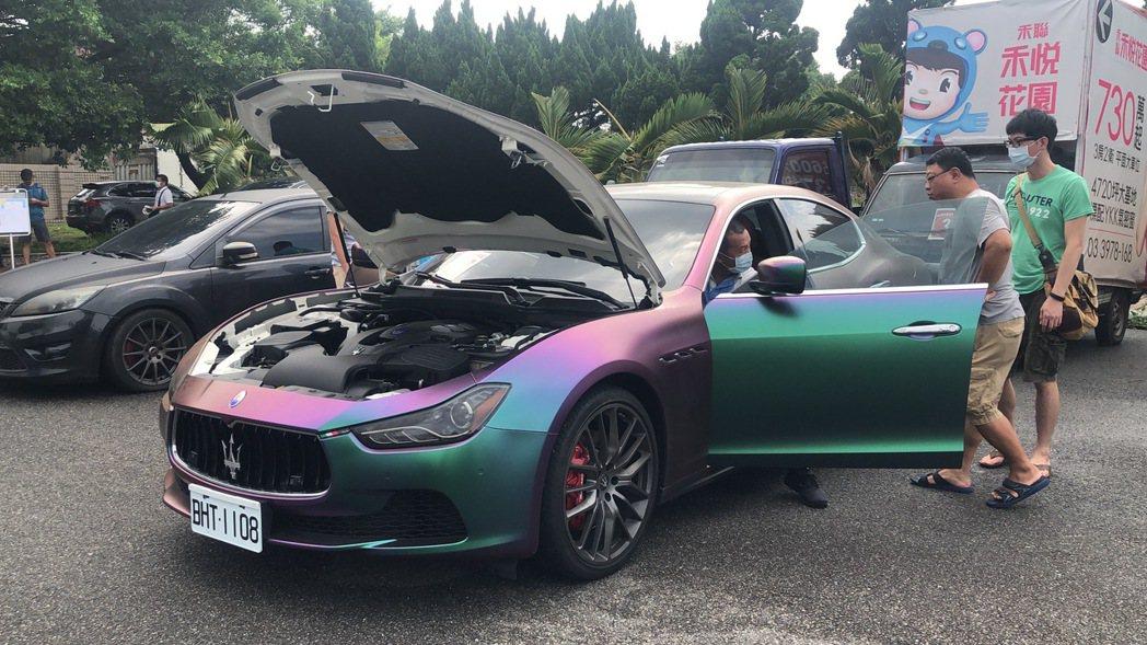 桃園地檢今上午法拍GHIBLI S型瑪莎拉蒂,最後以183萬元拍定賣出。記者曾健...