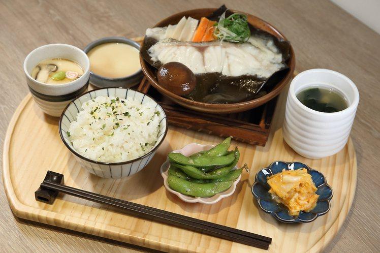 定食套餐中,共有7品料理會一起上桌。記者陳睿中/攝影