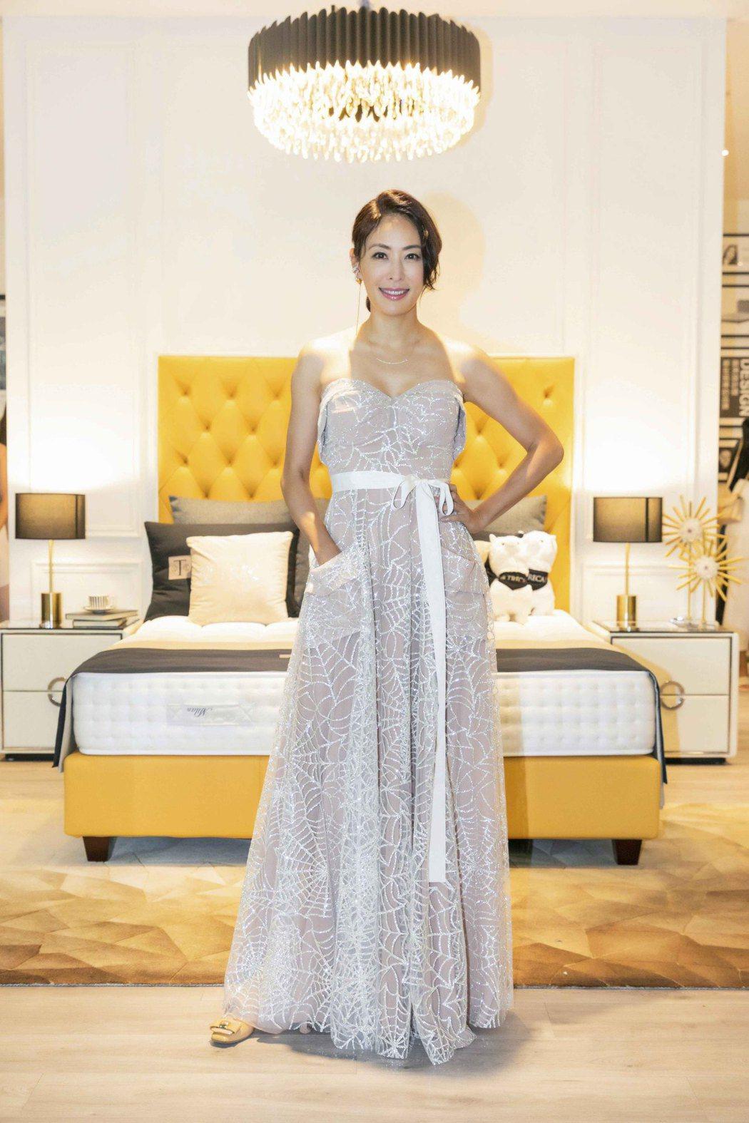 賈永婕亮麗出席寢具品牌活動。圖/台灣慕思寢具提供
