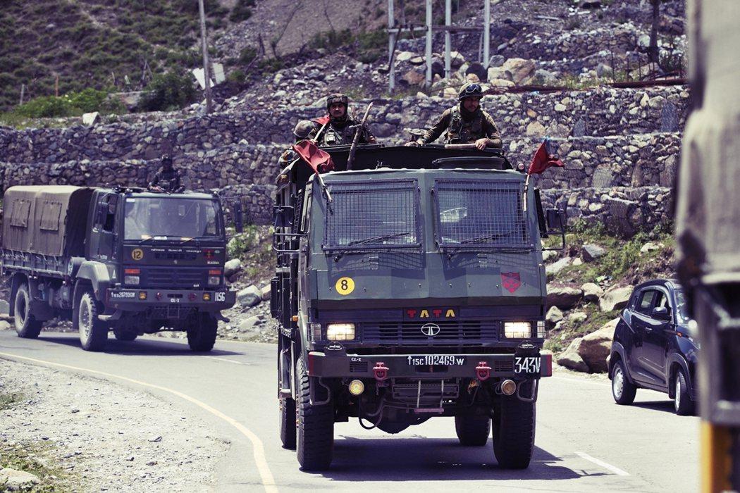 印度國防部與中國外交部1日分別證實,兩軍於邊境又發生衝突。圖為拉達克區的印軍資料...