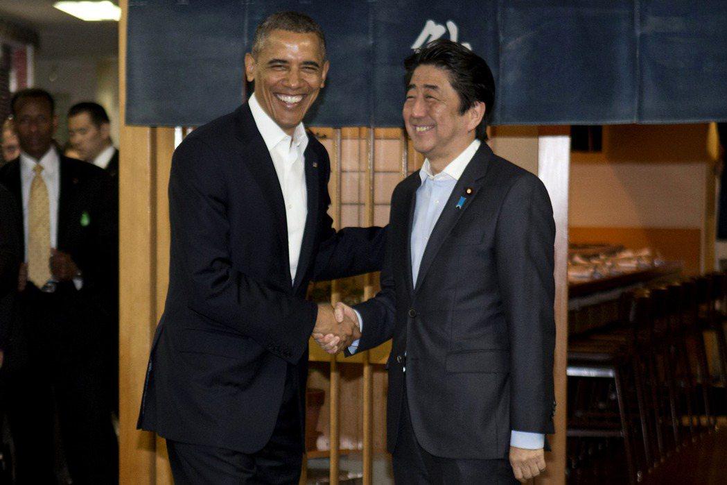 歐巴馬政府第二任期時,是日本的積極作為有效擴大了美日同盟能力,一定程度扮演了平衡中國影響力的角色。圖為2014年歐巴馬卸任後訪問日本。 圖/美聯社