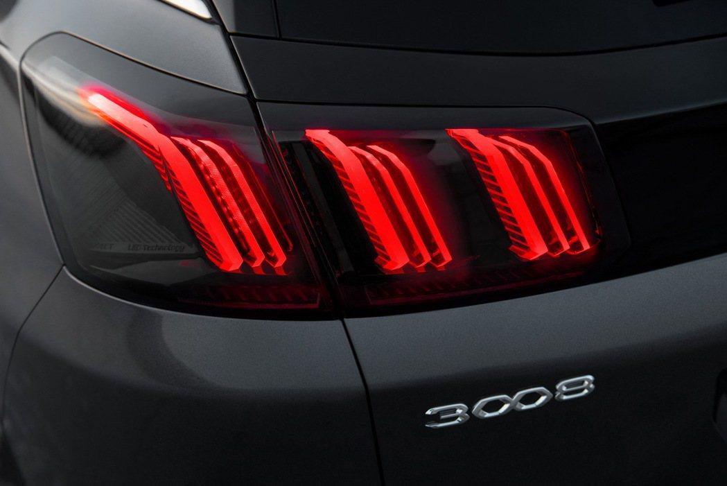 燻黑3D獅爪尾燈不僅更好辨識,更展現設計質感。 摘自Peugeot