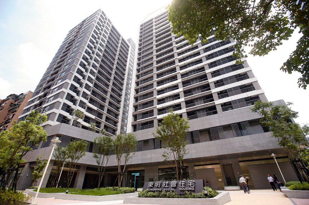 在台灣,「社會住宅該給誰住?」有著與各國截然不同且相當特殊的三個現象。 圖/聯合報系資料照
