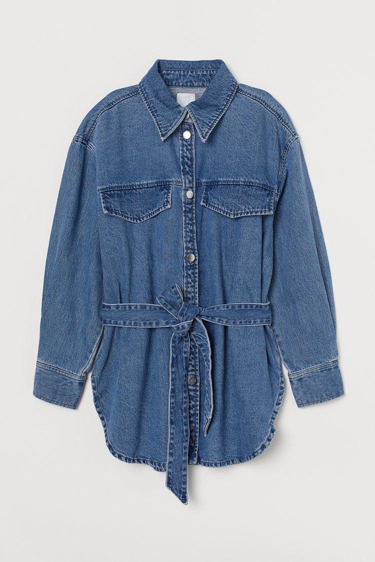 秋季女裝系列牛仔外套1,499元。圖/H&M提供