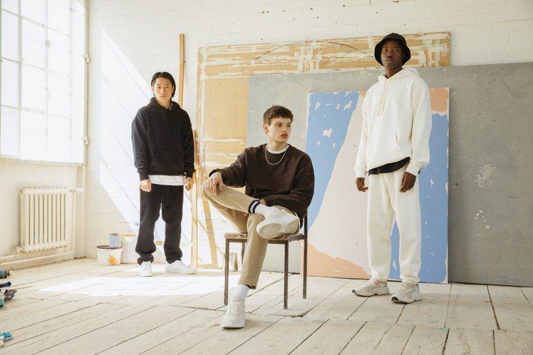 H&M反應了市場需求,首度推出Blank Staples系列男裝,融入街頭元素,...