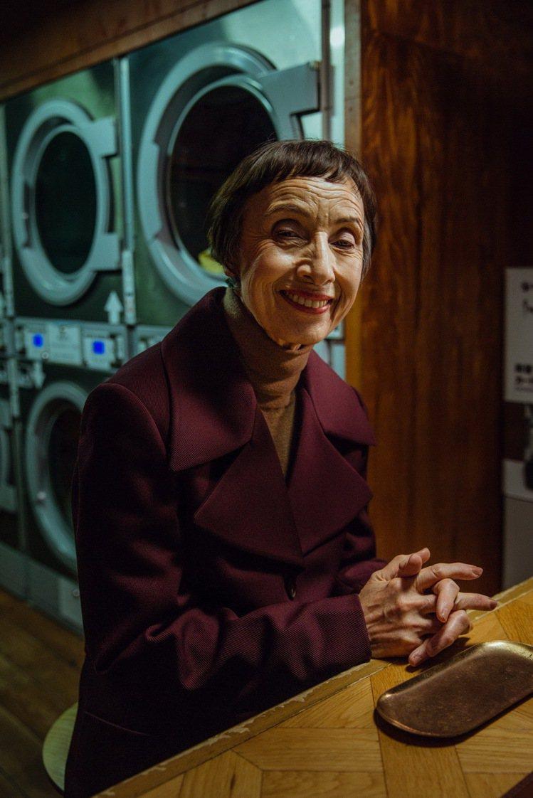 TOD'S微電影《行星之聲》描述傳統乾洗店的一段奇遇。圖/迪生提供