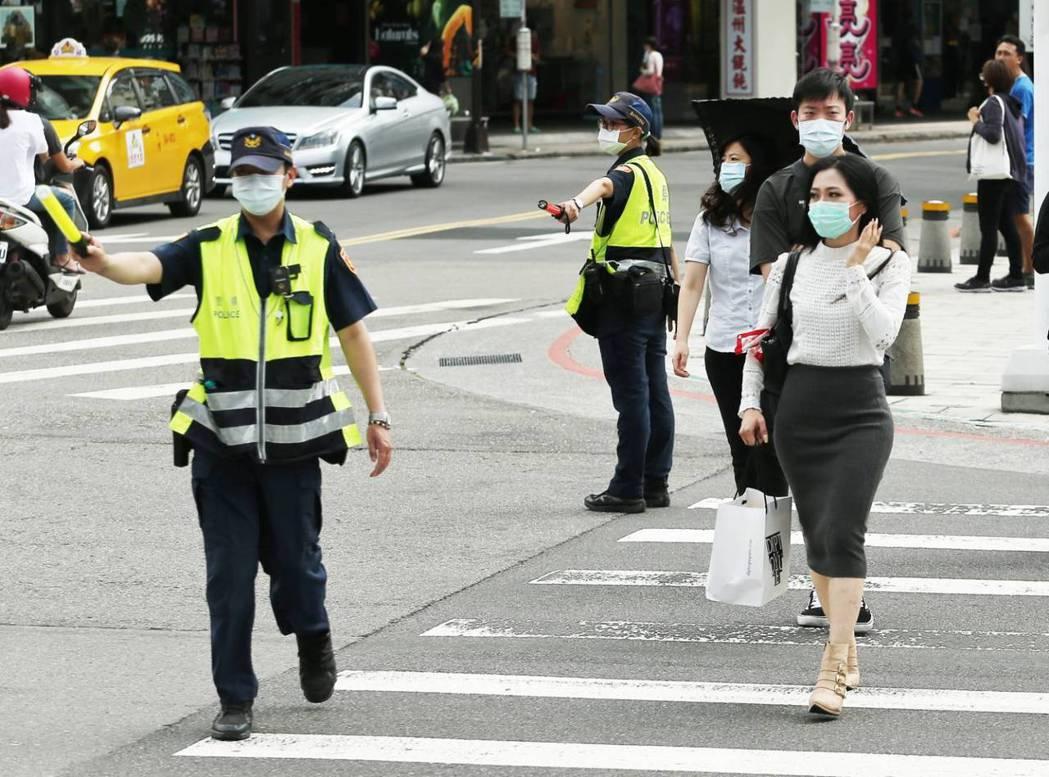 為期一個月的全國路口安全大執法9月1日登場,其中行人違規部分,全國警方3天內共取...