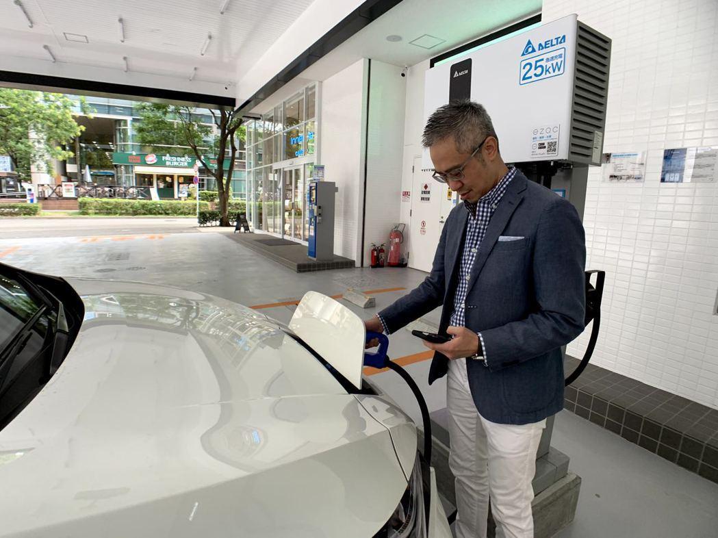 台達攜手出光興產打造的台達橫濱電動車充電站,結合能源管理與商場營運,落實智慧永續...