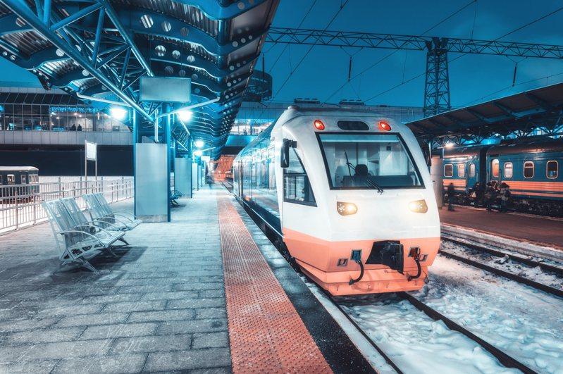 深夜電車。示意圖,非新聞當事車輛。圖片來源/ingimage