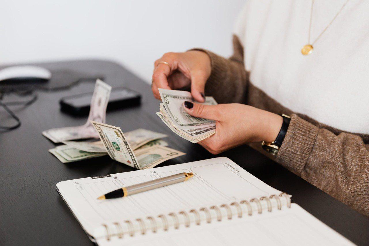 退休準備愈早愈好,定期定額存退休金,找到好的投資標的長期投資,不要短進短出。 圖...