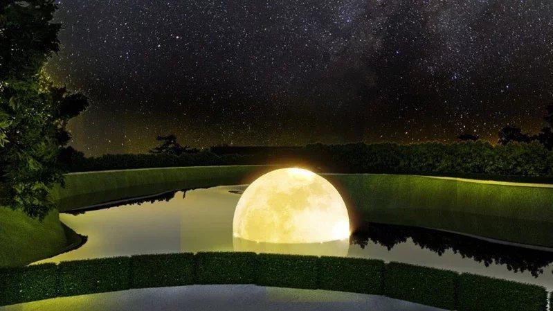 嘉義市光織影舞展10月開跑,將呈現「地表最大月亮」。 圖/嘉義市府提供