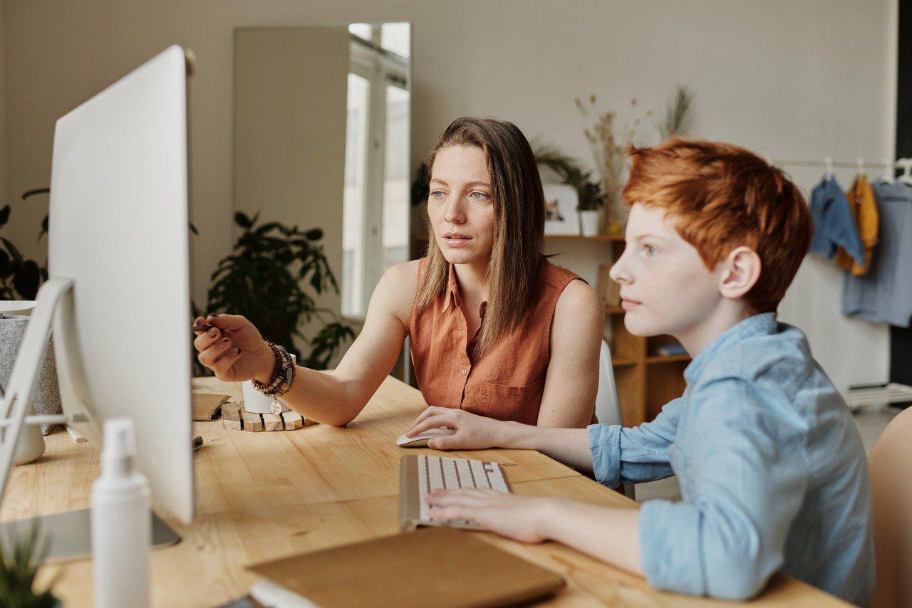 在彼此有充分討論之後,爸媽不論是要去貸款、或拿自己的錢出來幫忙,不妨讓孩子知道這...