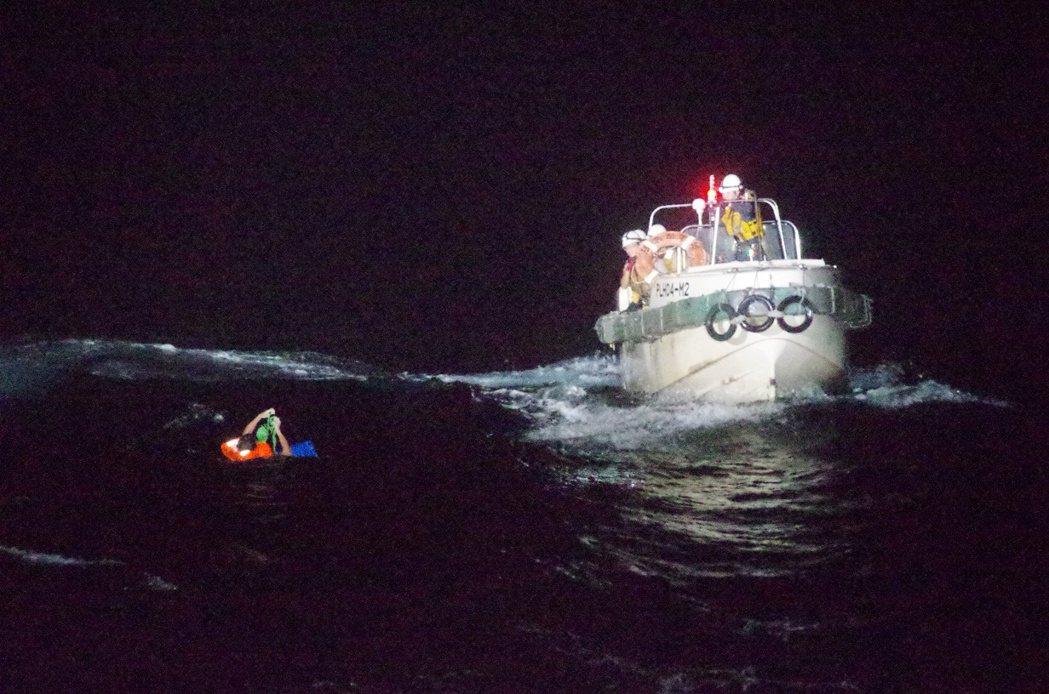 一艘來自紐西蘭的大型牲口運輸船「海灣活畜1號」(Gulf Livestock 1...