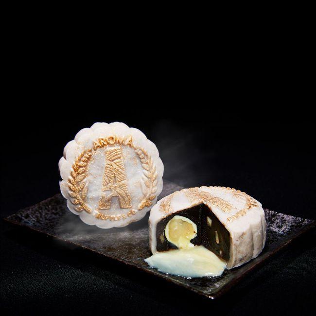 黑松露熔岩白巧克力冰皮月餅。 圖/Talter Taiwan提供