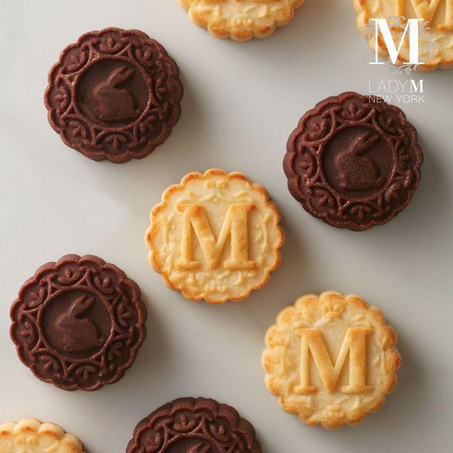 Lady M與舊振南跨界合作,打造可可奶皇月餅與卡士達奶皇月餅兩款新口味。 圖/...
