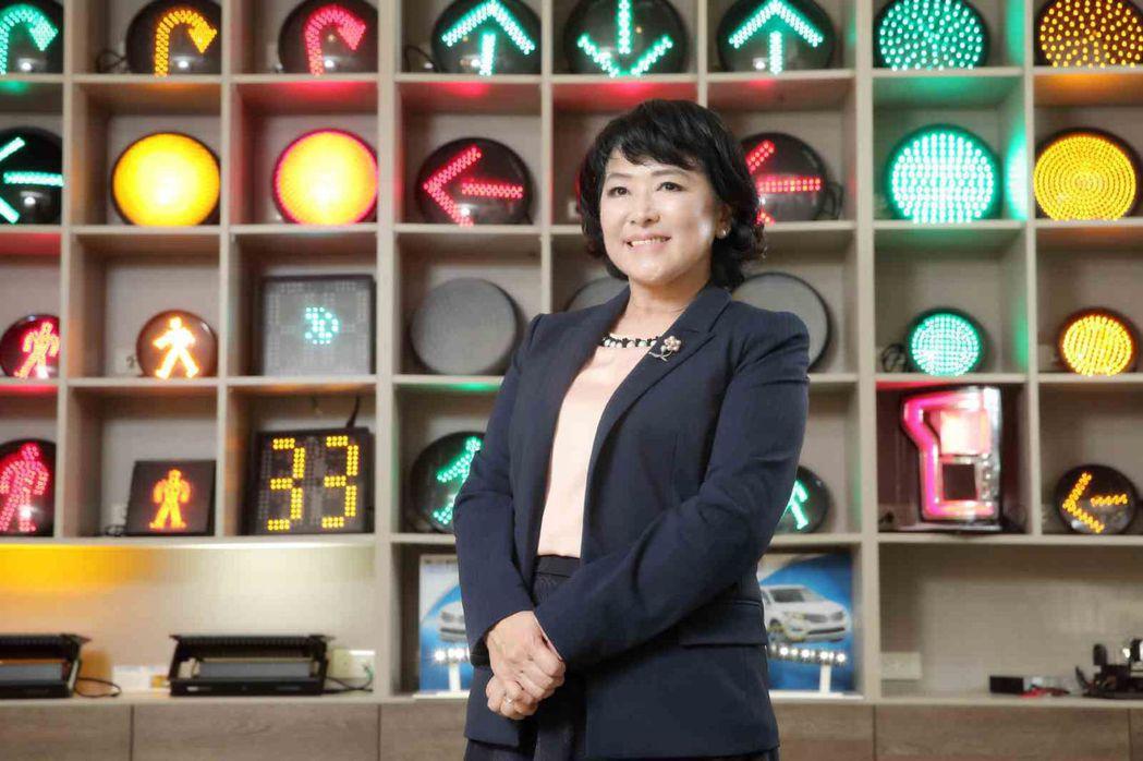 聯嘉總經理黃昉鈺用遠超國際大廠的標準打進特斯拉供應鏈,未來將同步在台灣與海外擴廠...