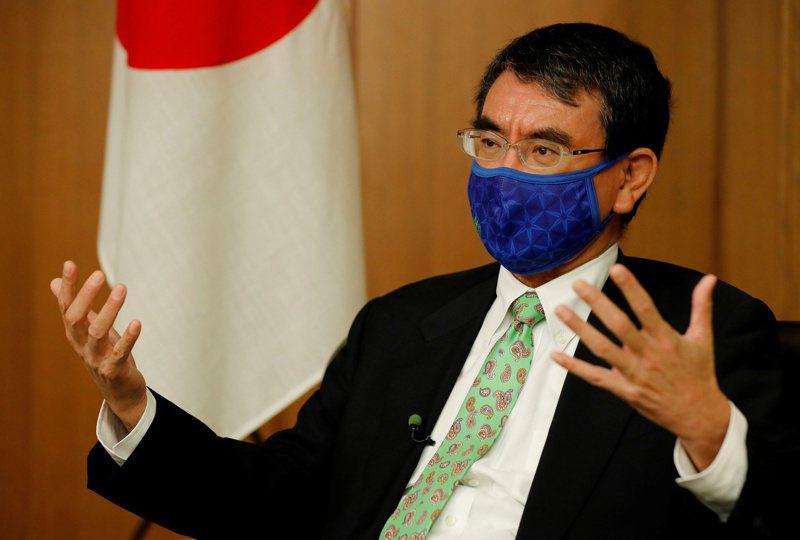 日本防衛大臣河野太郎(Taro Kono)。 路透社
