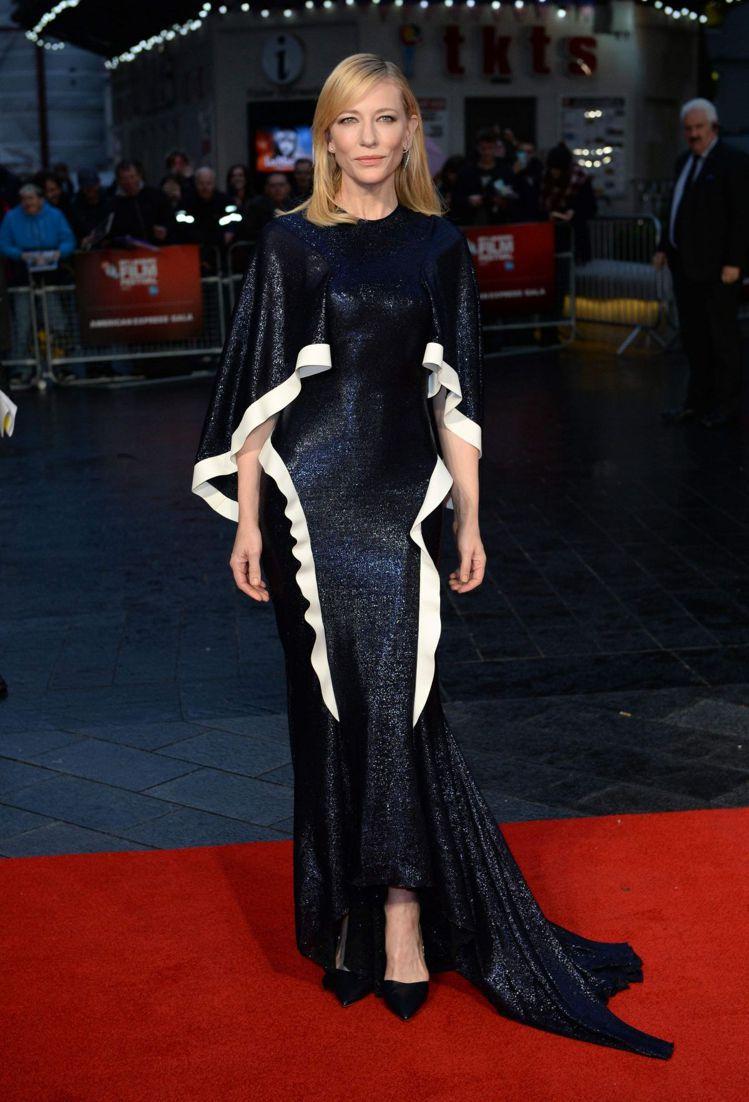 凱特布蘭琪在2015年倫敦電影節時即身穿ESTEBAN CORTAZAR禮服。圖...