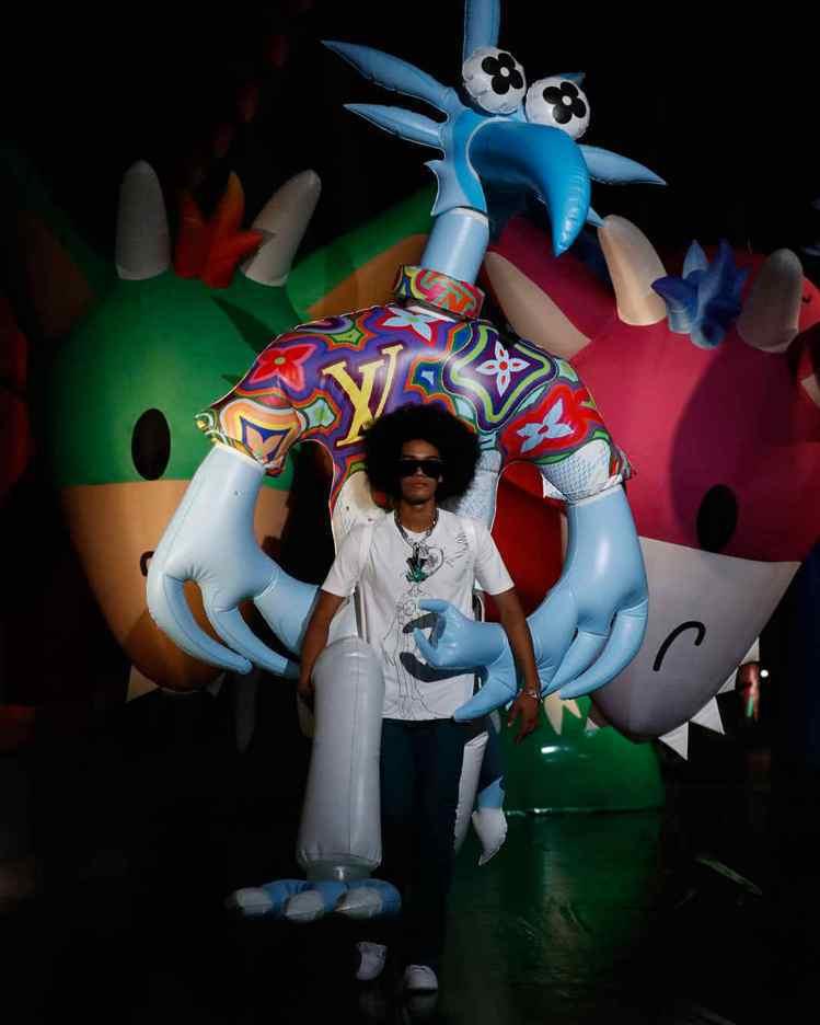 除了吳亦凡上海場次的超大玩偶,東京還有另一尊全新造型玩偶。圖/LV提供