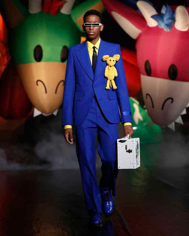 服裝剪裁復刻Virgil Abloh的父執輩於七○年代在迦納的穿著風格。圖/LV...