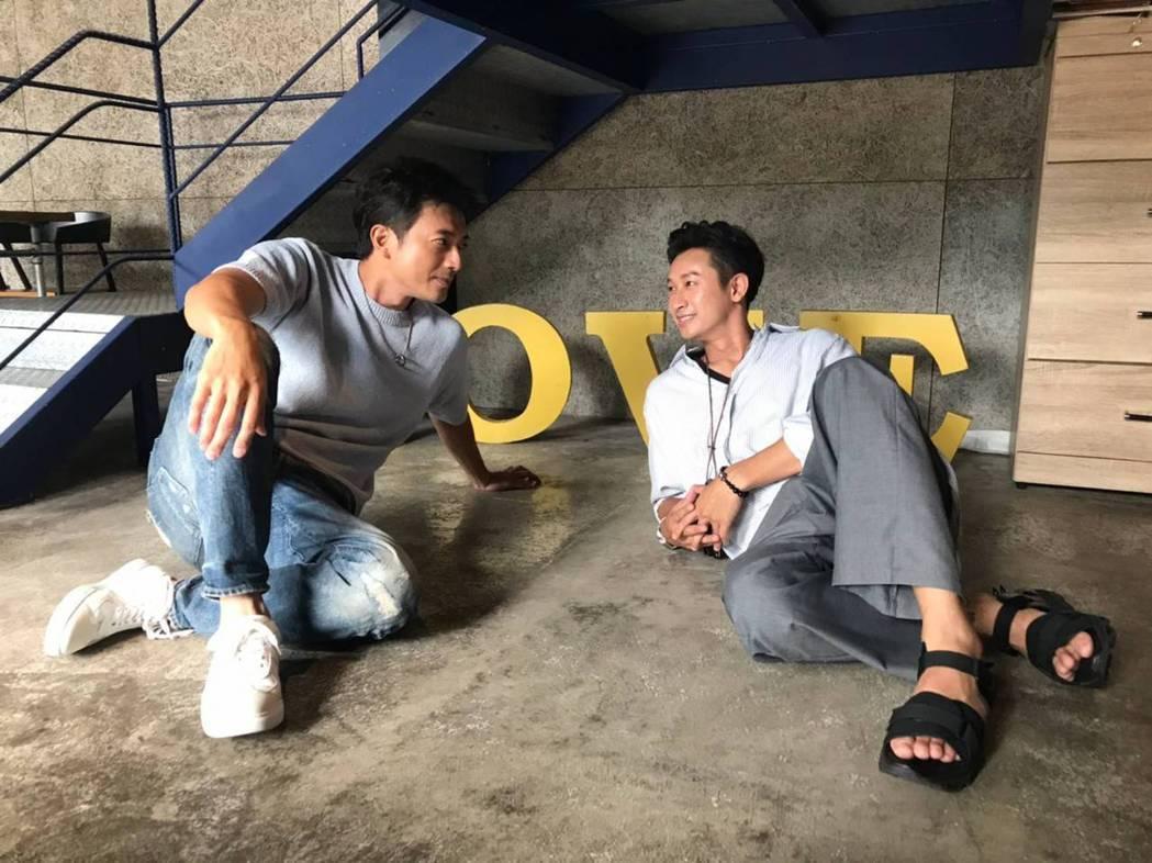 田家達(左)和Darren因拍戲成為好友。圖/三立提供