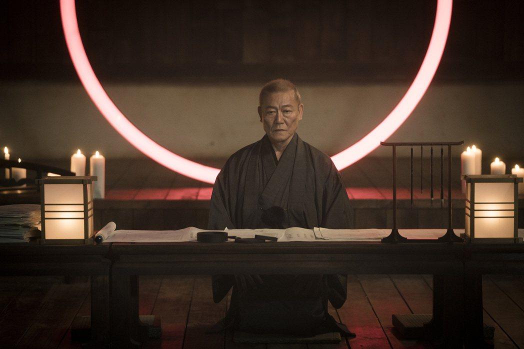 日本演員國村隼演出「獵夢特工」。圖/HBO Asia提供