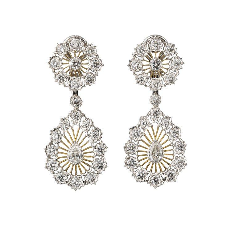 Buccellati Tulle高级珠寶系列耳環,呈現宛如蕾絲的華麗與典雅,價格...
