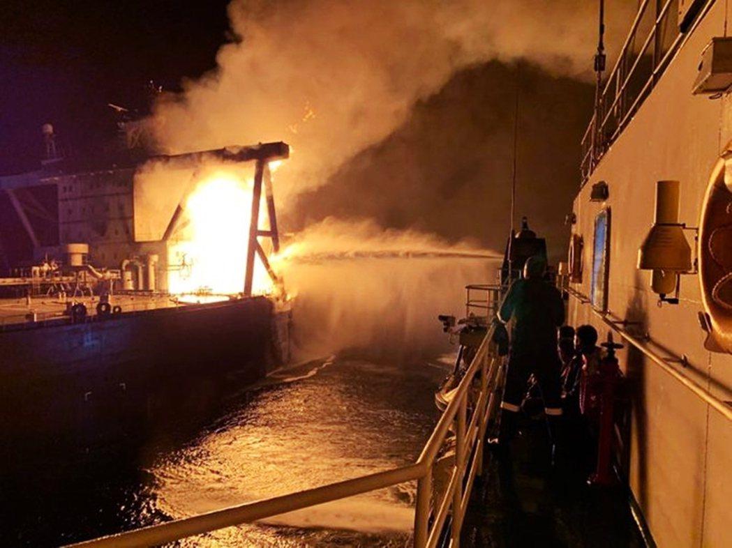 新鑽石號在9月3日清晨6點,於孟加拉灣海域、斯里蘭卡東岸外海40海浬處發出緊急求...