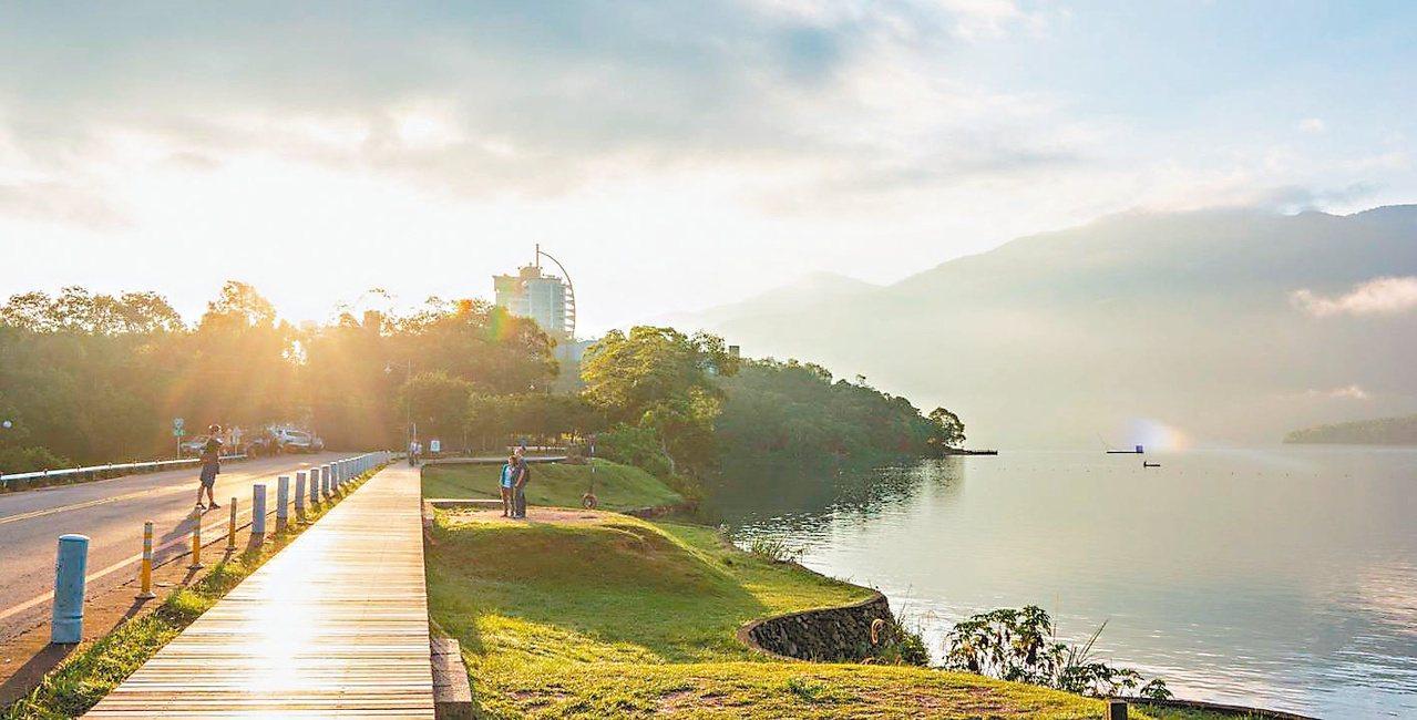 水上自行車道被列入日月潭「新八景」。 圖/日管處提供