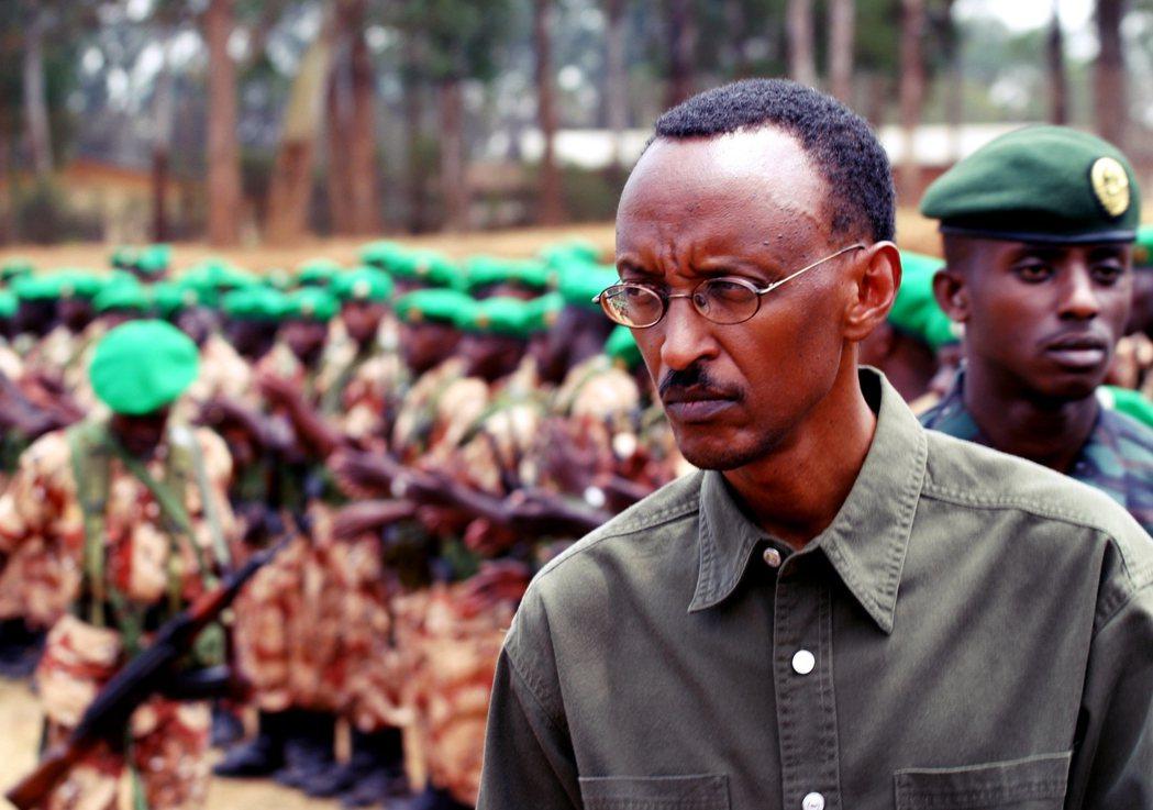 掌握政權的卡加梅,以「重建國家」為名,將盧安達打造成了「開明專制」的獨裁政體——...