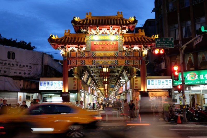 華西街觀光夜市藏有不少美食。 圖/黃仕揚 攝影
